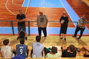 Tommaso Mazzilis, primo da sinistra nella foto